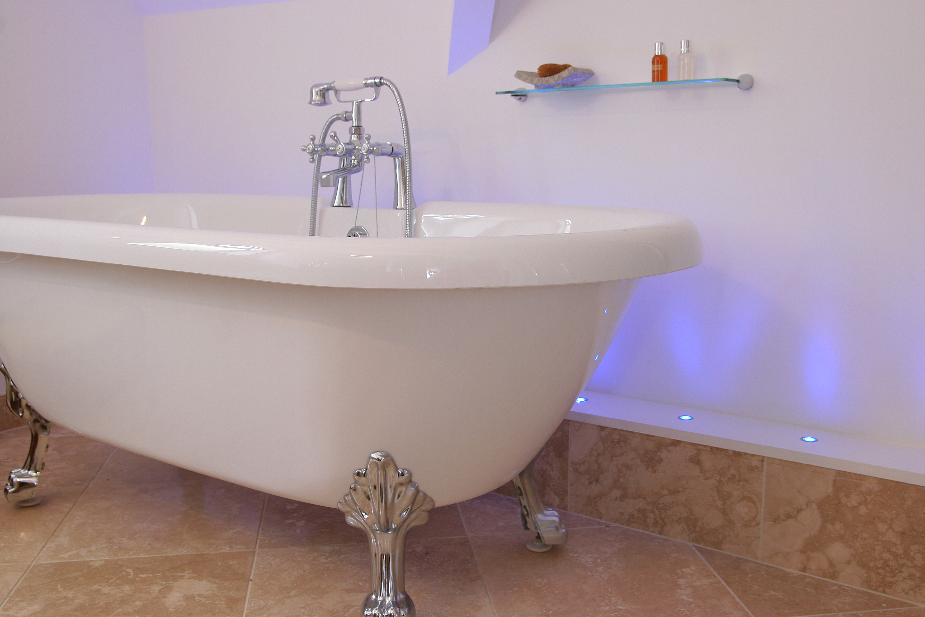 Woodlea Bath Tub